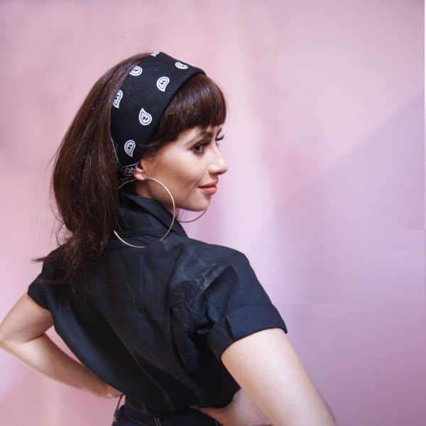 Cool vintage blouse shirt with turned up sleeves and vintage bandana. 50s clothing