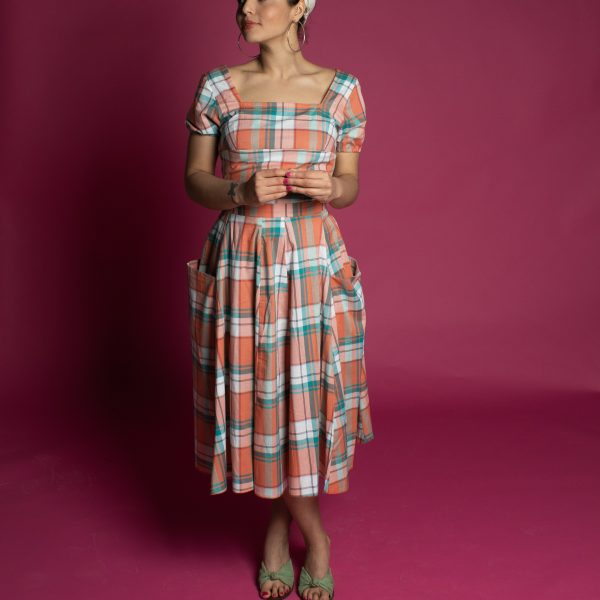 Full vintage style pin up circle skirt with pockets and matching top to make the perfect fit vintage dress