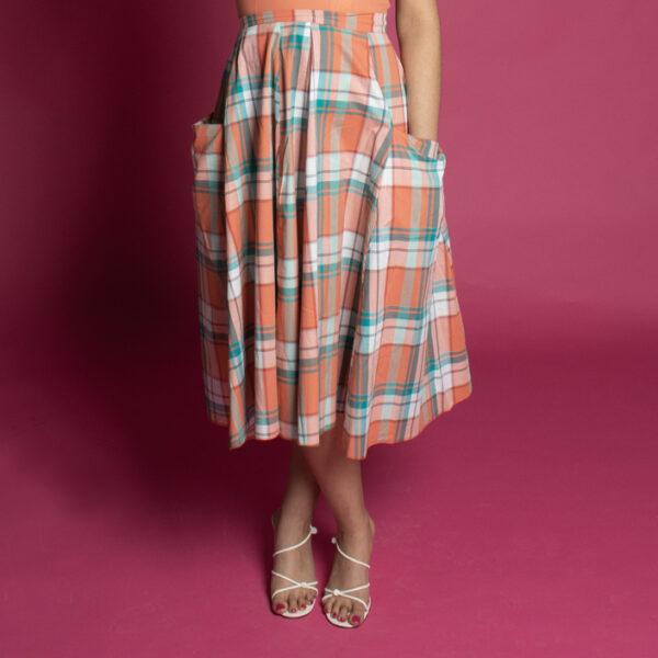 Picnic check full 50s style skirt made from surplice fabrics, circle skirt with pockets